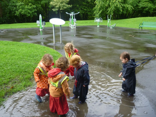We had a whole range of puddles to choose from today after all the rain- but this was the best one!